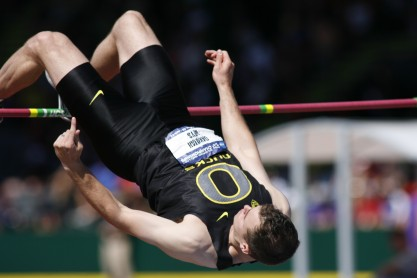 Oregon high jumper (Gary Breedlove/Eugene Daily News)
