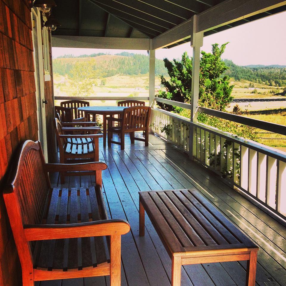 KE ranch house porch