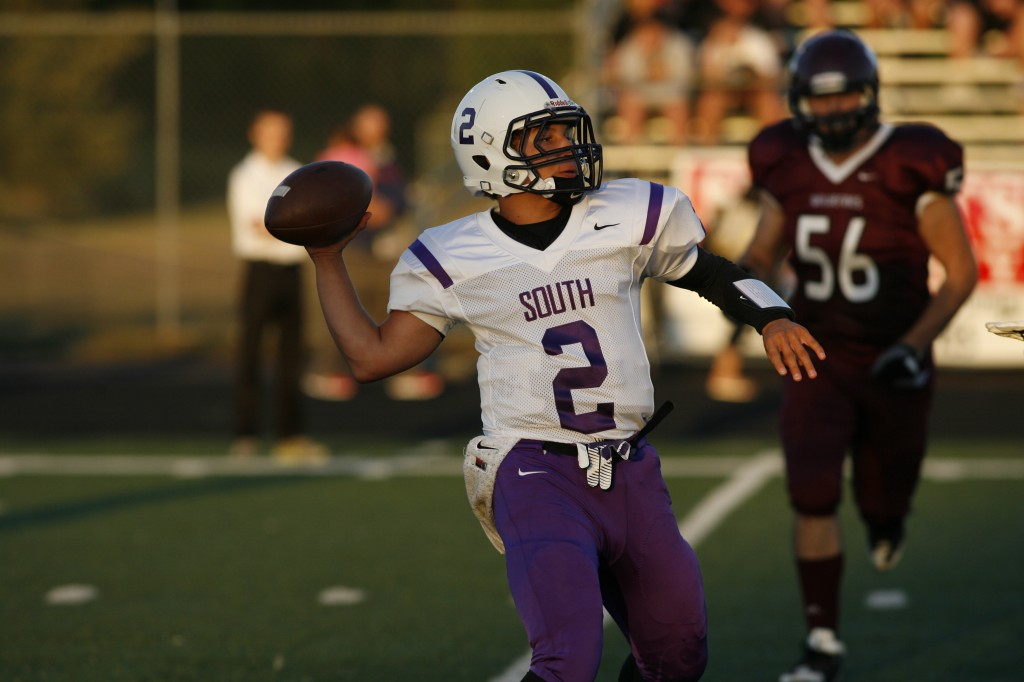 South Eugene quarterback Ray Roundtree throws a pass in Friday's 14-9 win over Willamette. (Gary Breedlove/EDN)