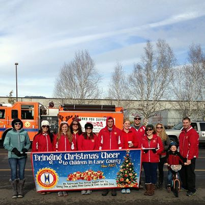 Springfield Christmas Parade 2013   Photo by Eugene Active 20-30