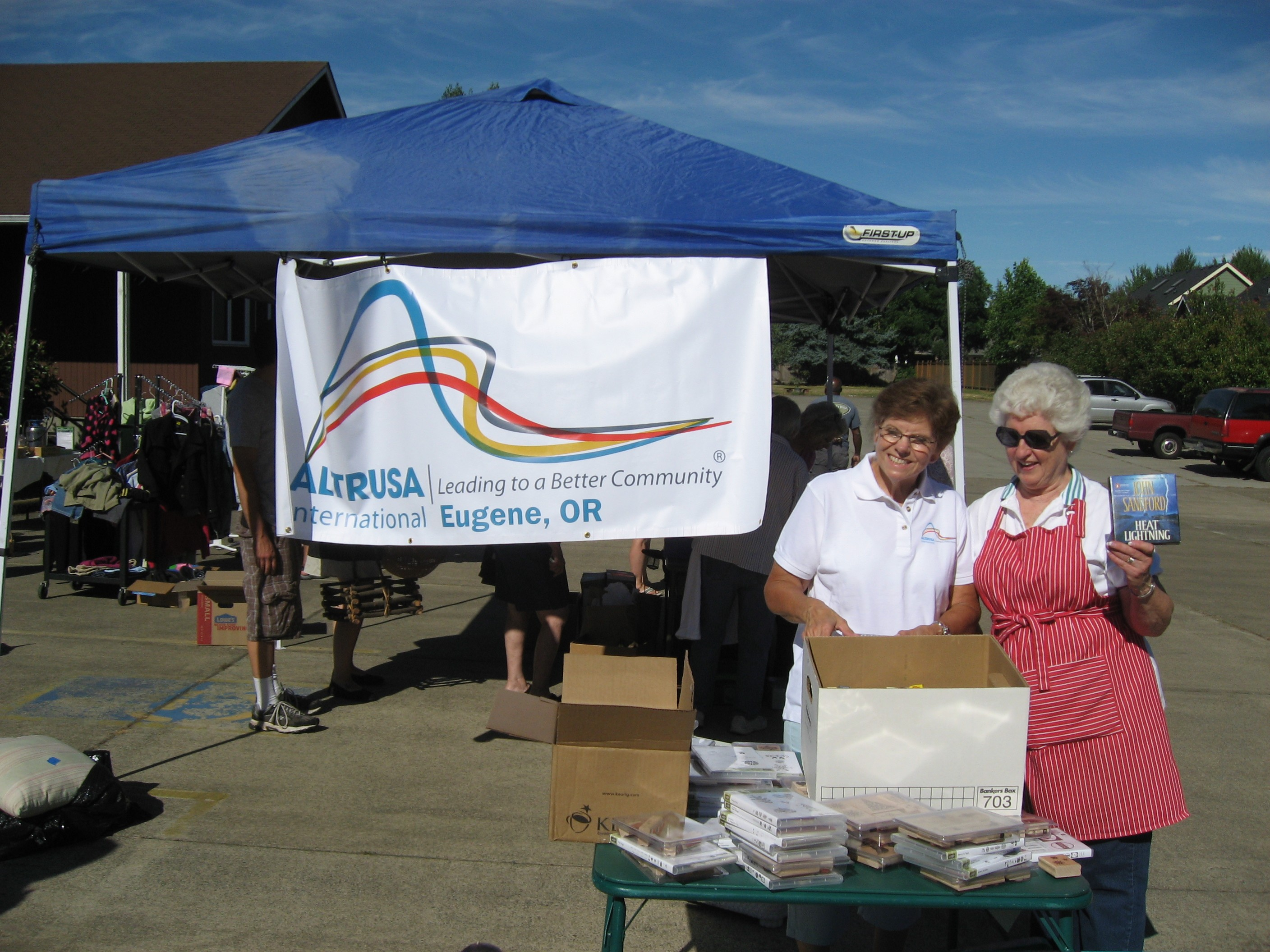 Altrusa of Eugene Yard Sale 2014 For Their Literacy Project | Photo by Eugene Altrusa