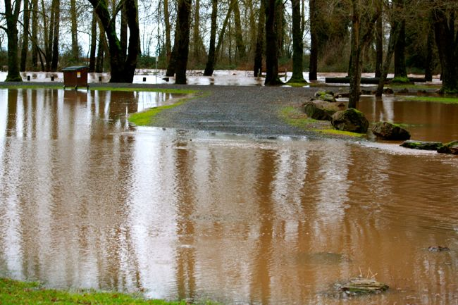 The Calapooia River flooding in Brownsville, Oregon 2011
