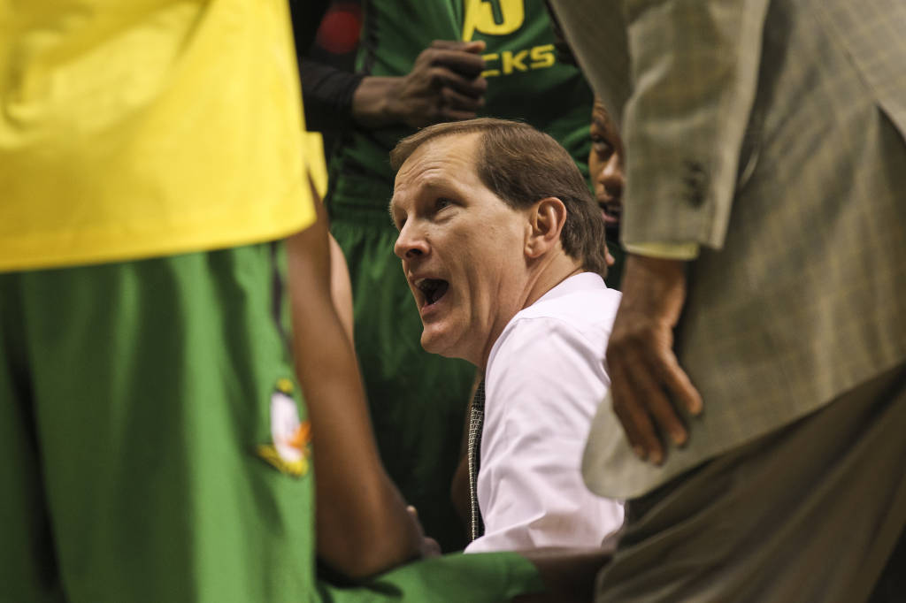 Oregon head coach Dana Altman talking to his players. Photo by Nate Barrett/GoDucks