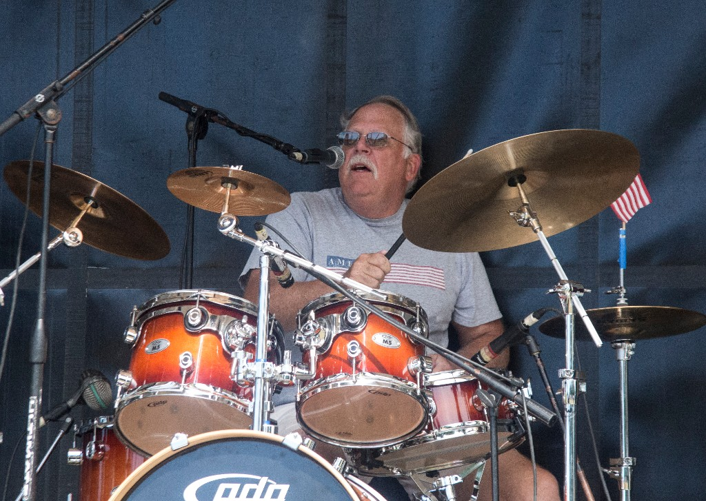 The Hideaways Dave Thomas kicking it.