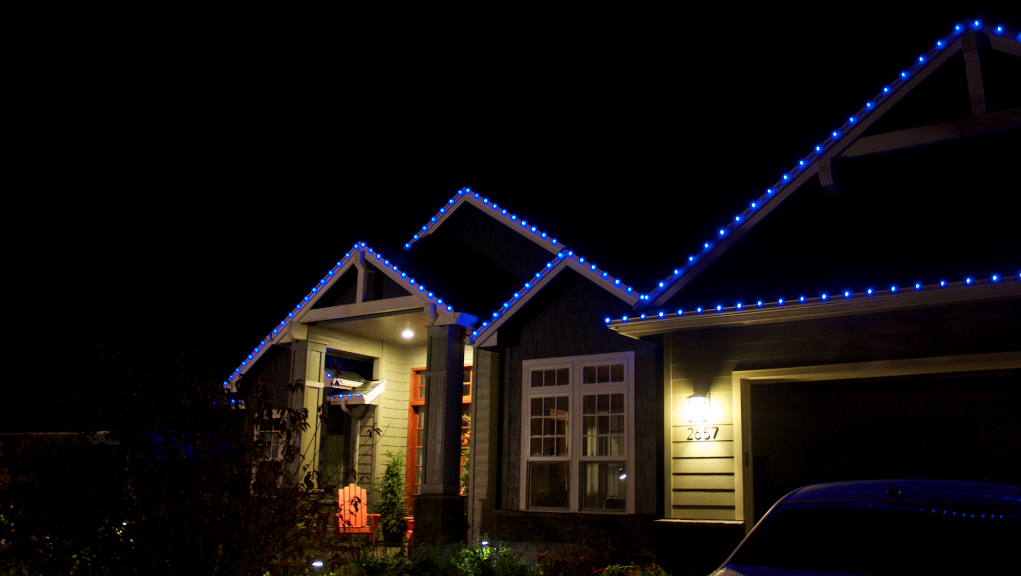 """Everlights"" On Daren Taylor's In-law's House in Salem